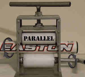 Parallel bat rolling machine with bat inside